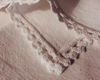 Set of 4 cotton handkerchiefs with crochet border
