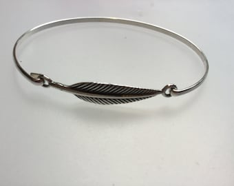 Bangle/Silver bangle/Sterling silver feather bracelet/feather bangle/silver Feather bangle/sterling silver/bangle/bracelet/Feather/tribal