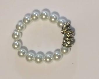 Beautiful and Elegant Pearl Bracelet