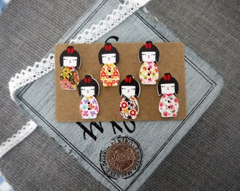 10 x Beautiful Japanese Geisha Girl Wooden Button with Floral Dress Design