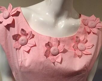 1950s pink cotton day dress, 50s dress, vintage pink dress, flowered bodice