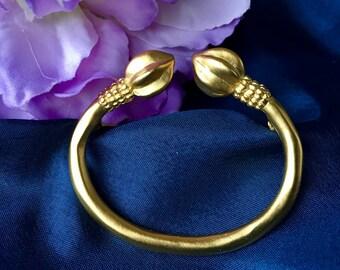 Vintage Gold Tone Brooch, Vintage Gold Brooch, Vintage Gold Tone Pin