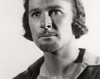 Errol Flynn Film Actor Glossy Hollywood Black & White Photo Picture Print A4
