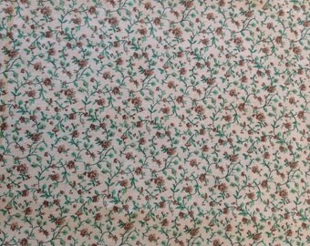 DAINTY BROWN FLOWERS With Green Leaves Quilting Novelty Floral Fall Summer Kids Girls Boys Baby Antique White Cotton Fabric