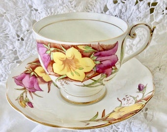 Bell China Yellow & Pink Floral Pattern 4754 Fine Bone China Teacup and Saucer 1940s Birthday/Housewarming Teacup Gift
