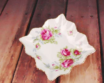 Hand painted vintage flower plate - L'AMOUR CHINA gold rim plate