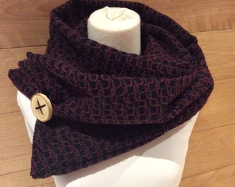 Black scarf patterned purple and Brown