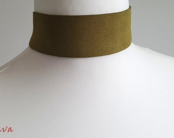 Choker necklace 4 cm wide retro olive green gold