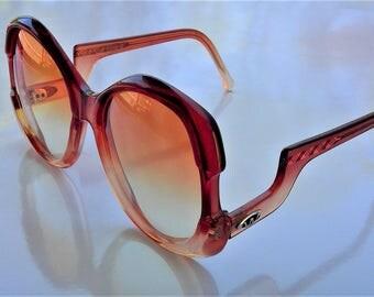 Vintage 70's Ladies Hong Kong Josie-C BOHO Sunglasses - Extra Large Tortouise Shell Rims