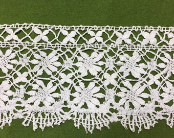 Hand made Bobbin Lace (13 1/2 yards) - early 1900's