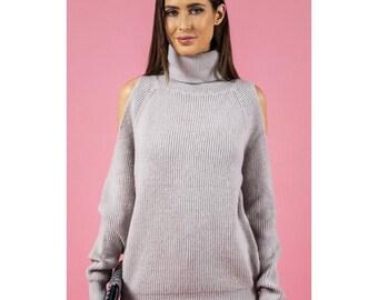 Cold shoulder turtleneck knit