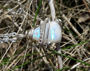 Moonstone. rainbow Moonstone, beautiful necklace wire wrapped