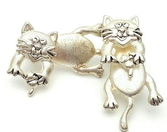 Movable Cat Earrings Vintage Silver tone metal Kittens from the 90s
