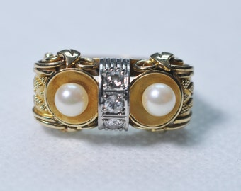 """1940s Pearl and Diamond """"Owl"""" Ring"""