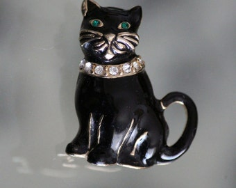 Green Eyed Black and Gold Cat Brooch