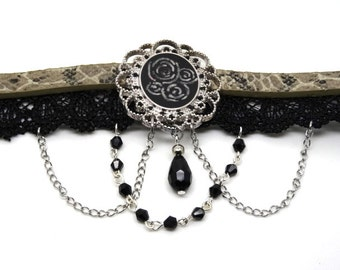 Victorian necklace / steampunk black, bronze