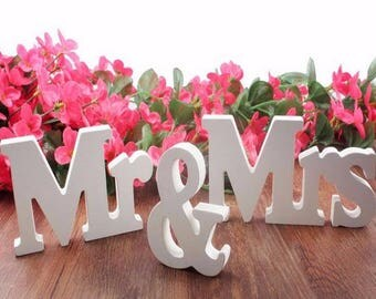 3Pcs Mr. & Mrs. White Wooden Letters