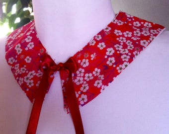 small flowered collar