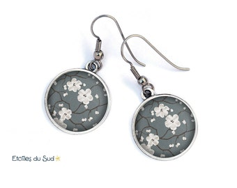 Bijoux d'oreilles cerisier du Japon, fond gris/ref.87
