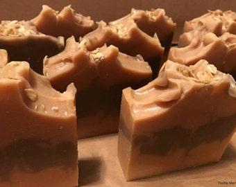 Goats Milk Soap / Oatmeal Soap /  Honey Soap / Natural Soap / 6oz