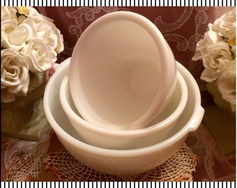 Vintage white mixing bowls, set of 3