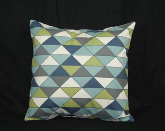 Décor Pillow - Cold Multicolored Triangles