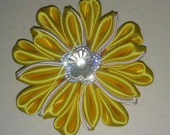 Sun burst flower bow