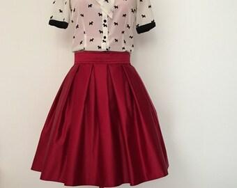 Red Pleated skirt Pleated Edge hard cotton