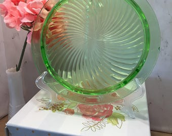 Anchor Hocking Spiral Green Footed Cake Plate