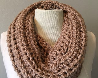 Oversized Chunky Crochet Cowl in taupe
