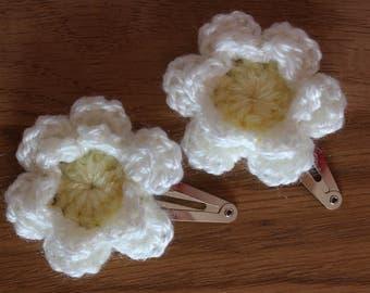 Pair of Crochet Flower Hair clips – Sparkly Cream