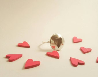 Silver 925 heart ring.