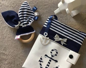Gift box protects health record and teething ring Navy