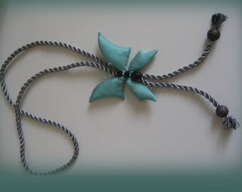 Turquoise butterfly. Butterfly Necklace-pendant on silk turkisblau.