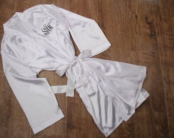 White Robe, Monogrammed Robe, Bridal White Robe, Bride White Robe, White Bride Robe, White Bridal Robe, White Satin Bride Robe,Wedding Robes