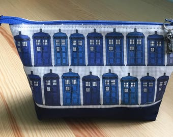 Doctor Who Tardis Lined Zipper Pouch