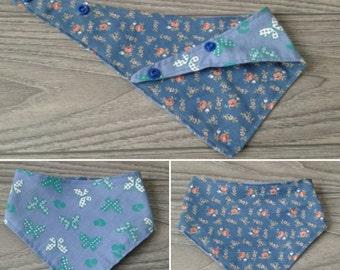 Bib for baby. Cotton, snaps, handmade, blue, green, flowers, butterflies.