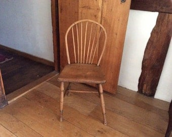 An Antique Nineteenth Century Hoop Back Windsor Side Chair