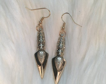 Dagger Earrings - Elf / Elven