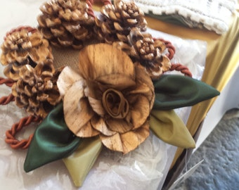 Christmas decorations, centerpieces, Christmas wreath