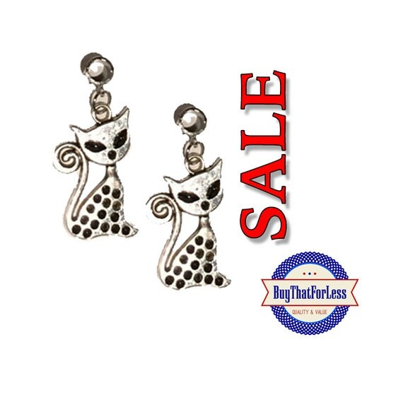SALE Kitty Charms, 6 pcs  **FREE Shipping on orders of 10dollars+**