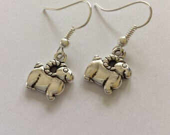Sheep earrings / Sheep jewellery / animal earrings / animal jewellery / animal lover gift
