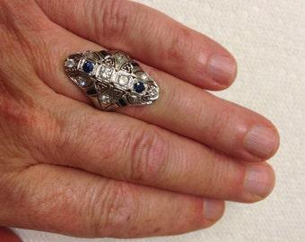 Antique deco 18 K white gold diamond sapphire ladies ring size 6.5