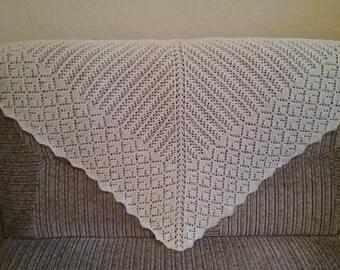 Shawl warm, Knitted shawl, handmade, gift for women, white milk, delicate shawl, elegant shawl, scarf, accessory, original, winter wool 100%