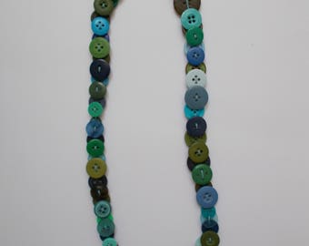 Necklace made with buttons