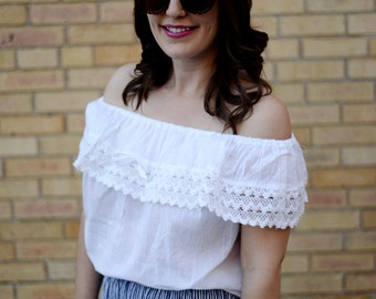 Vintage Embroidered Blouse Off the Shoulder Handmade Mexican White Gypsy Flowy Crochet Hippie Ethnic Peasant
