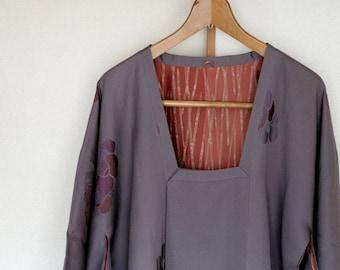 Vintage Japanese Kimono Coat ///  silk kimono Coat, Michiyuki, antique Kimono, beautiful kimono, Purplish grey silk Jacket,  silk jacket