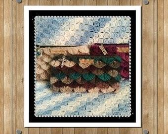 Lined clutch bag with handmade random charm