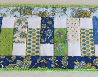 Modern blue, green, yellow and white table runner for dining or living room table, reversible table runner, quilted runner, machine washable