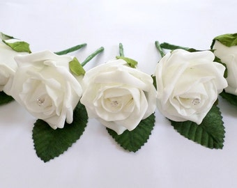 Buttonholes with Daimante centre, perfect for all occasions - White